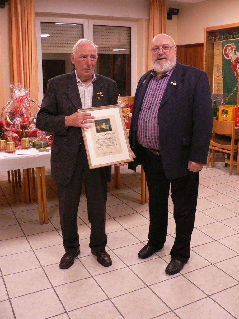 Männergesangverein ernennt Fritz Spandick zum Ehrenvorsitzenden